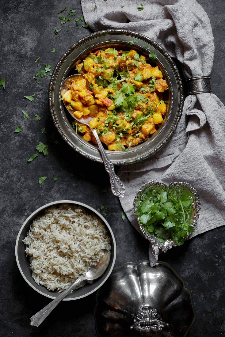Kohlrabi and Potato Curry
