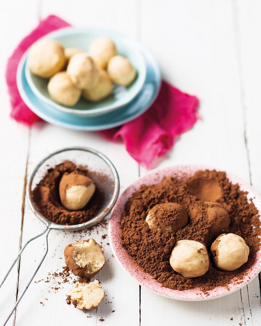 Peanut butter truffles with cocoa powder
