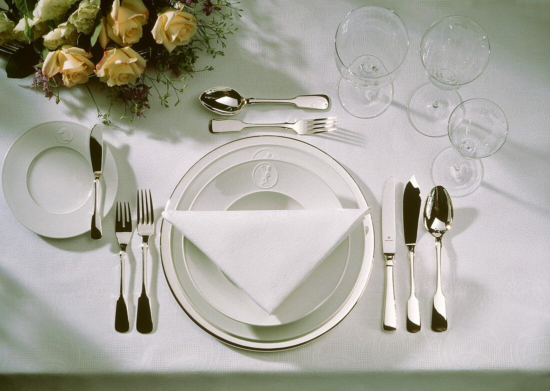 Single Place Setting with Glassware; White Napkin
