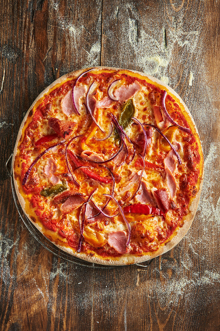 Pizza Jazz with bell pepper and red onions