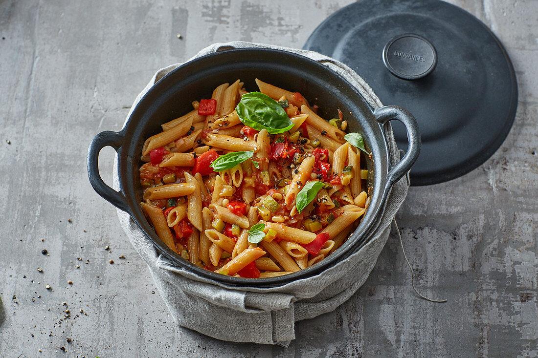 One Pot Pasta mit Tomatensugo