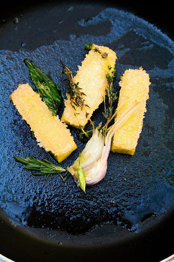 Roasted wild garlic polenta