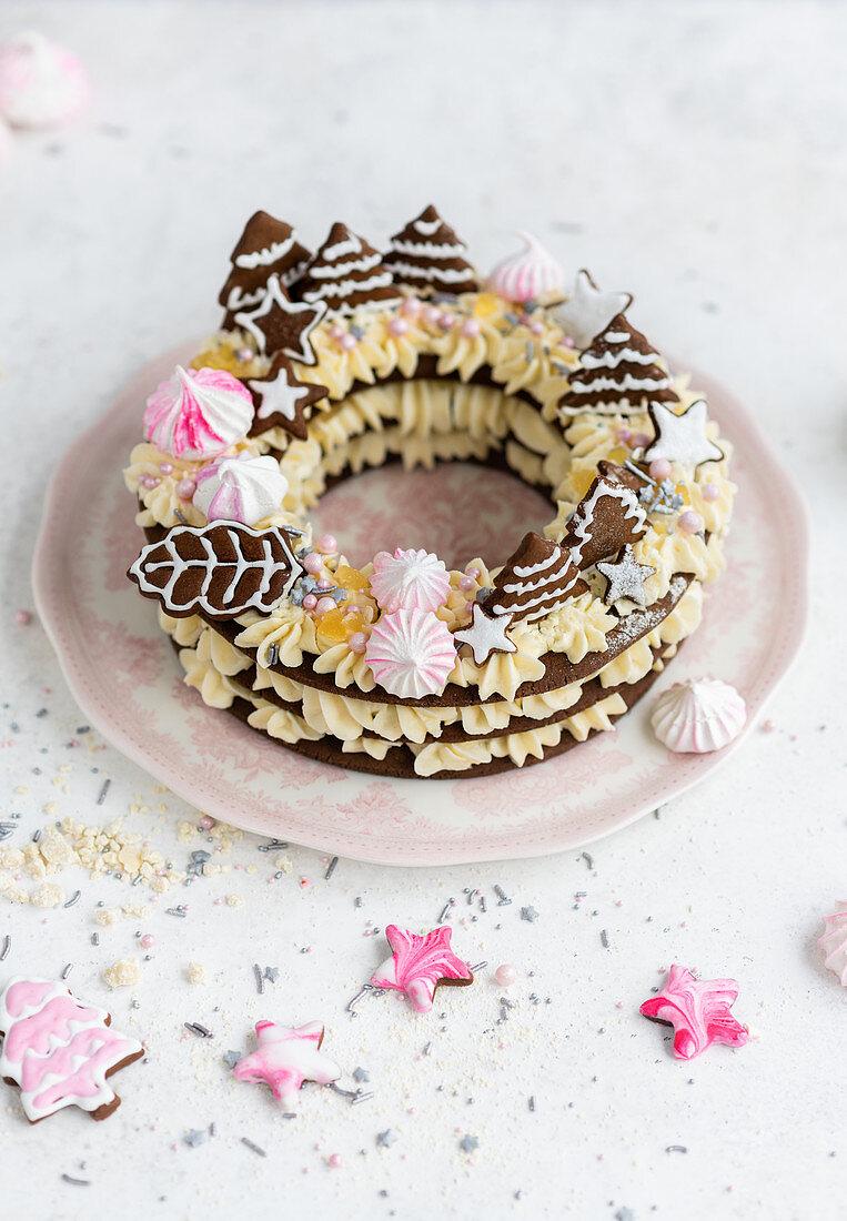 Christmas cookie pie with white chocolate cream