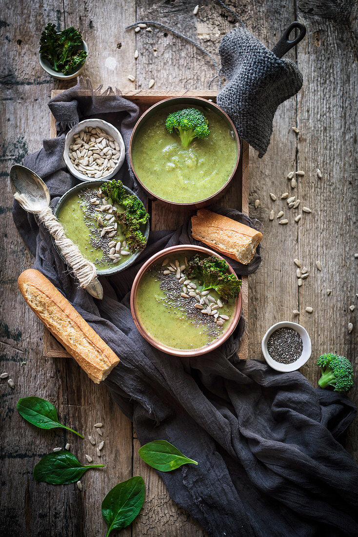 Green soup with broccoli