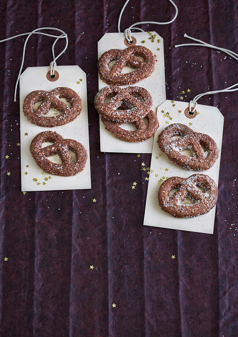 Chocolate and cinnamon pretzels