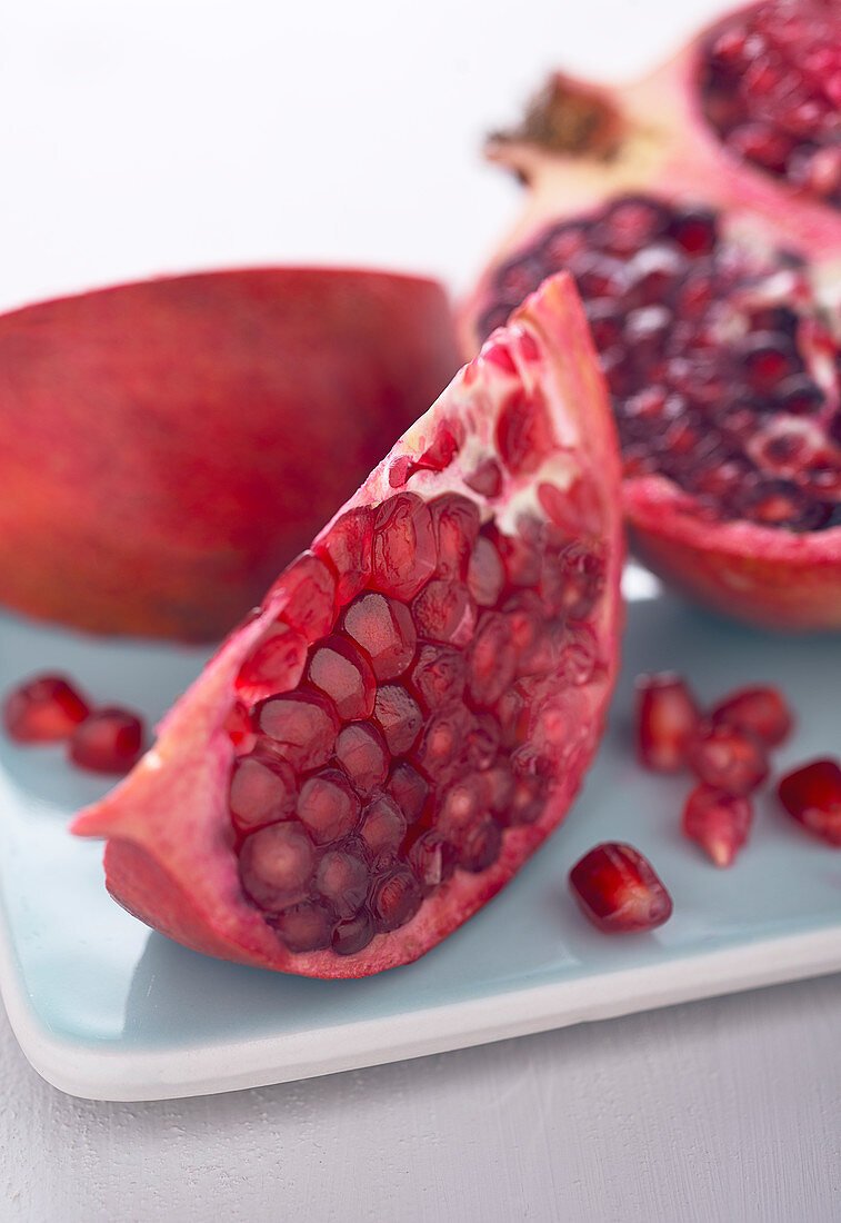 Pomegranate, halved and sliced (close-up)