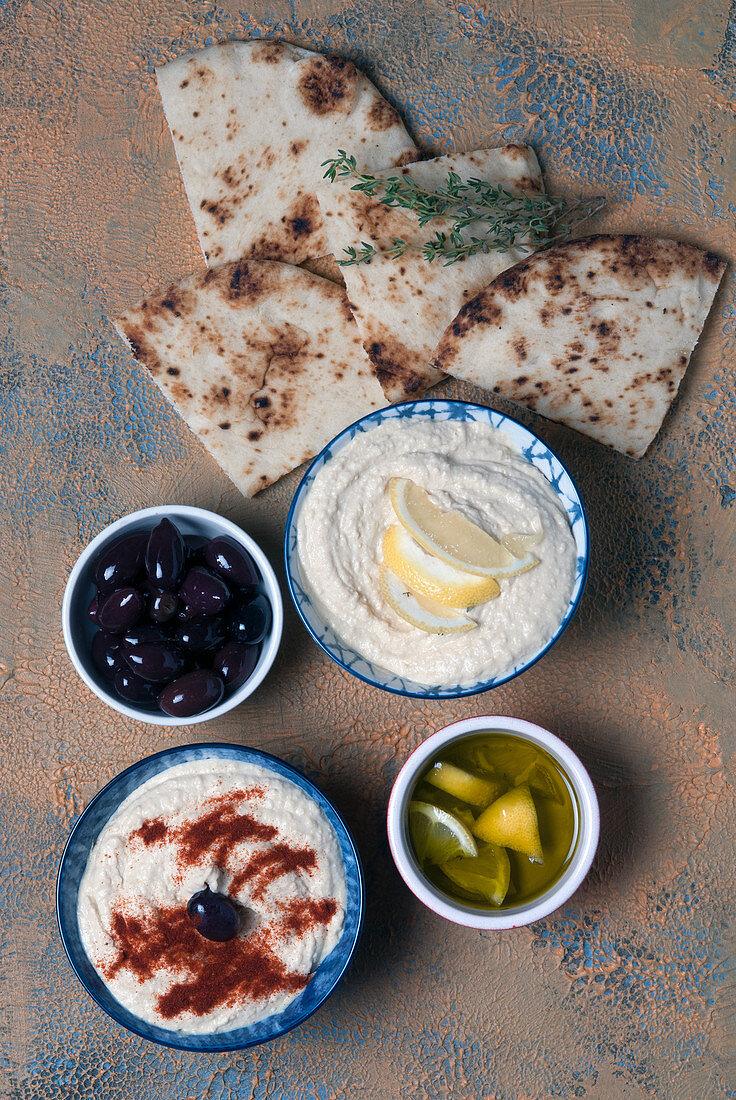 JUmmus - Middle eastern spread