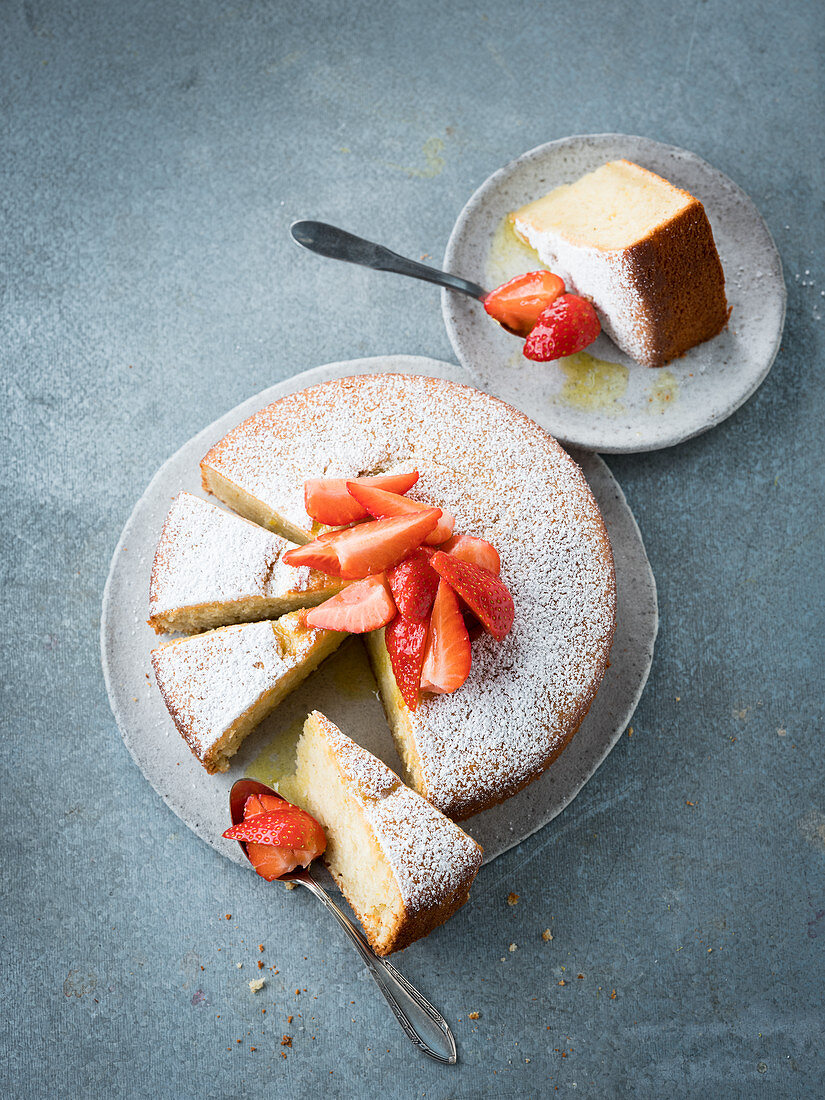 Strawberry and ricotta cake with olive oil