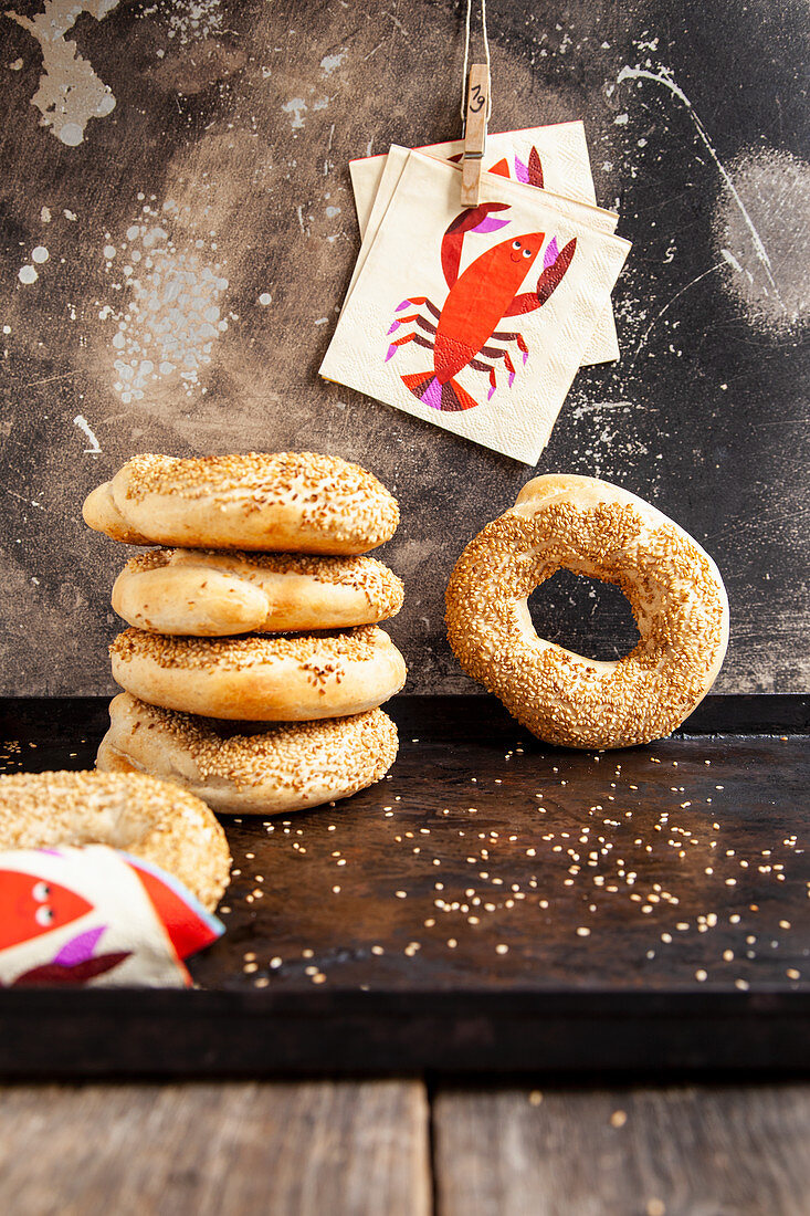 Sesame seed rings with lobster napkins