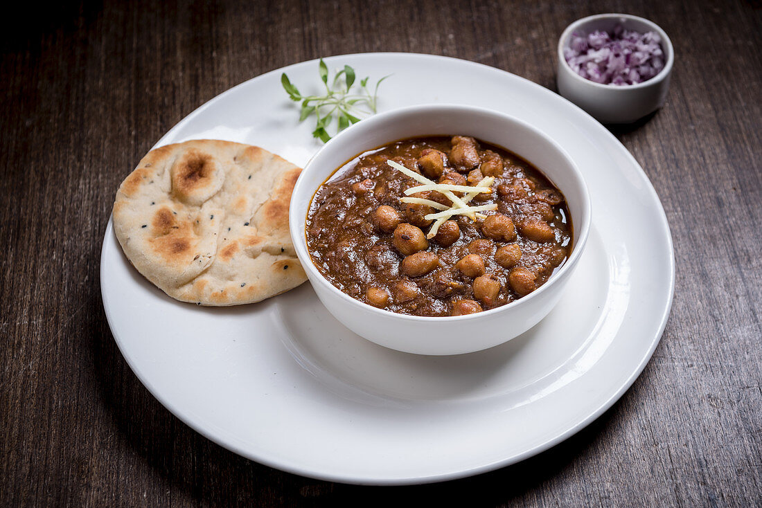 Chole Kulche with chopped Red Onion (India)
