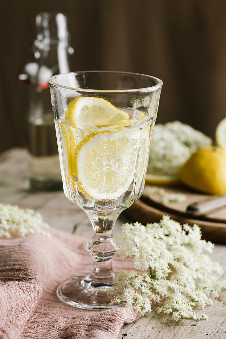 Elderflower syrup with lemon slices