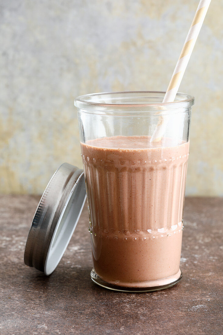 Gluten-free nougat and banana shake with almond drink
