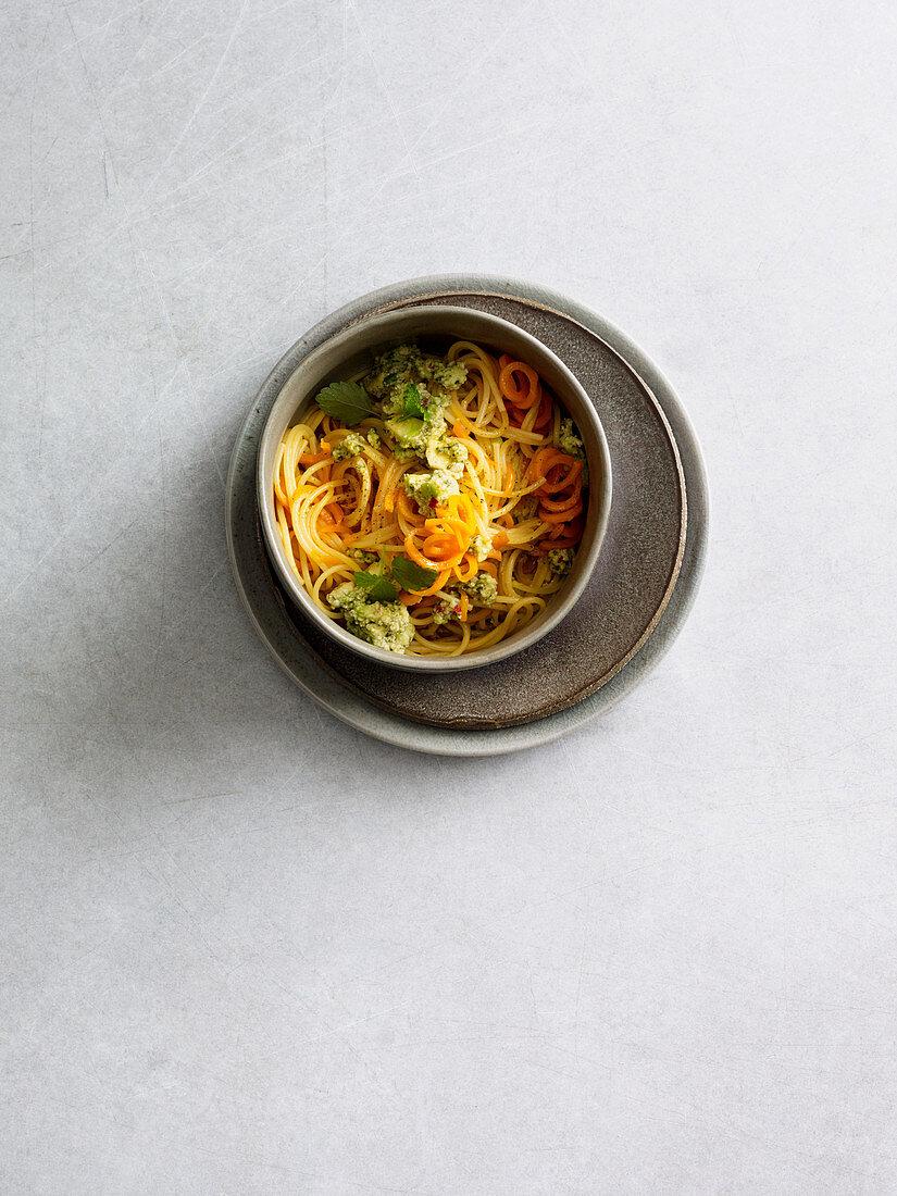 Carrot spaghetti with avocado pesto (one pot pasta)