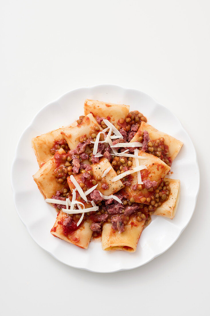 Paccheri with a lentil and bacon sauce