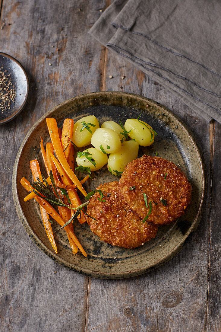 Kohlrabi escalope with root vegetables