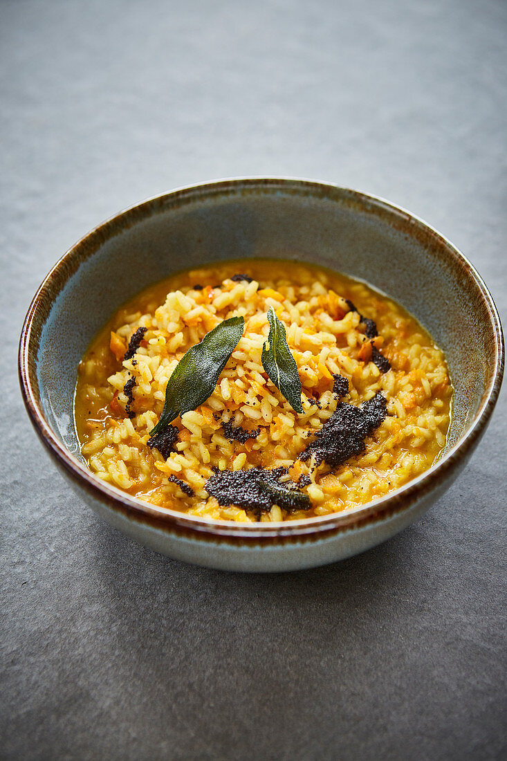 Pumpkin risotto with poppyseed butter