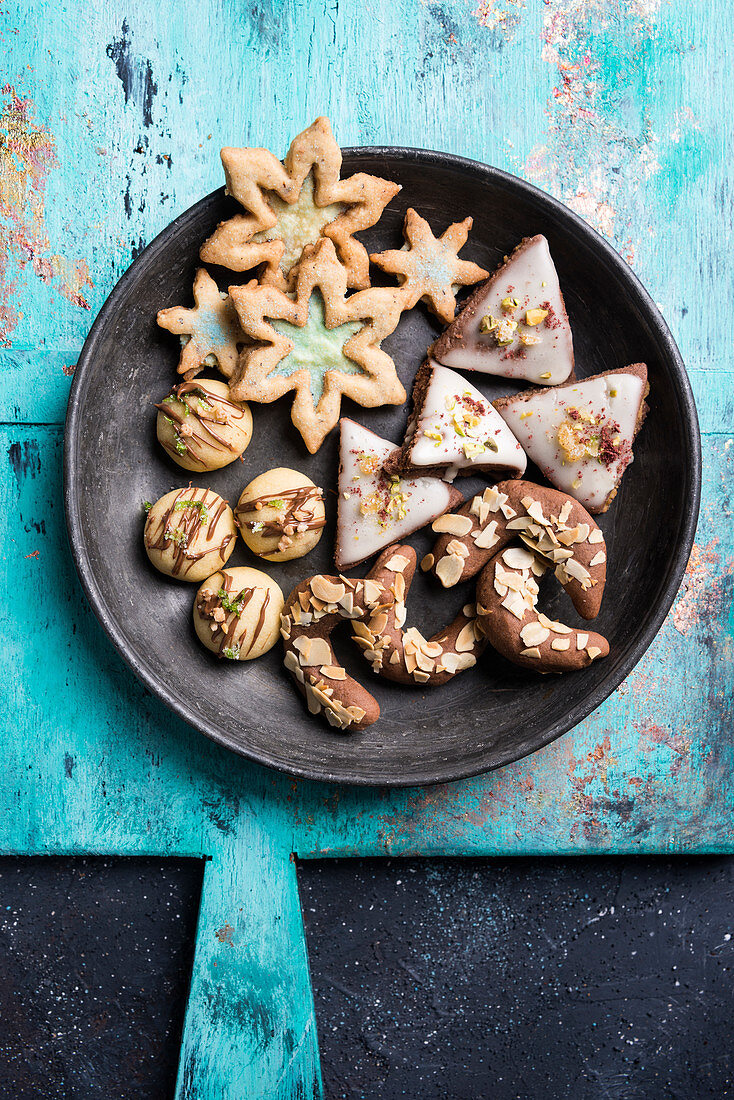 A plate of Christmas cookies