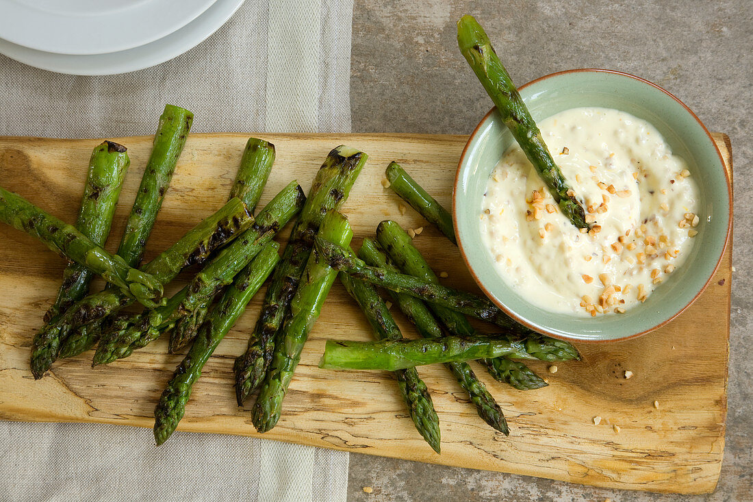 Chargrilled asparagus with saffron and hazelnut mayo
