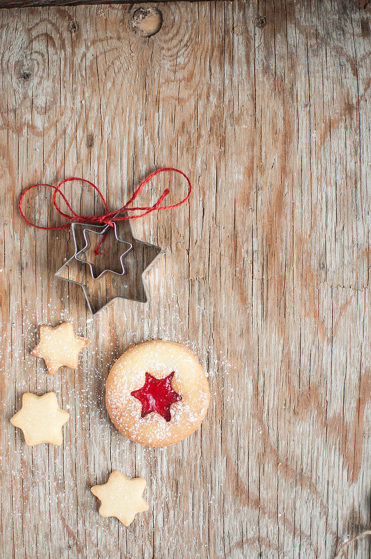 Christmas jam cookie with little cookies