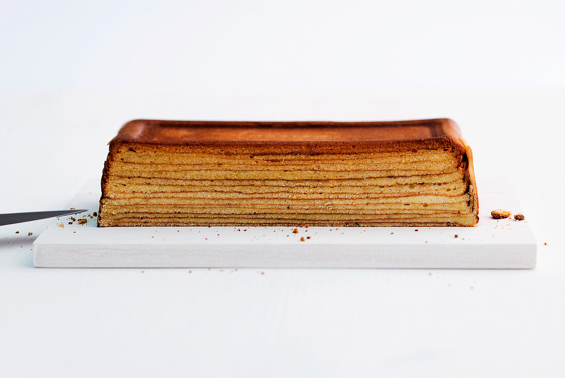 A halved Baumkuchen (German layer cake)