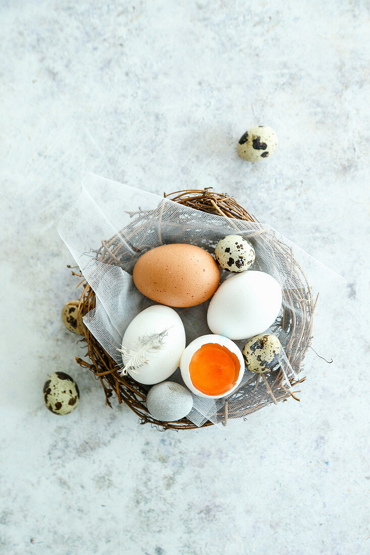 Mixed chicken and quail eggs