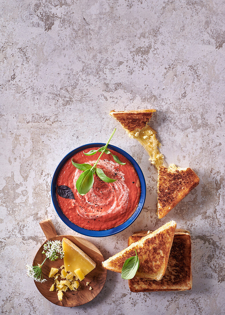 Tomato soup with cheesy toasted sandwich dippers