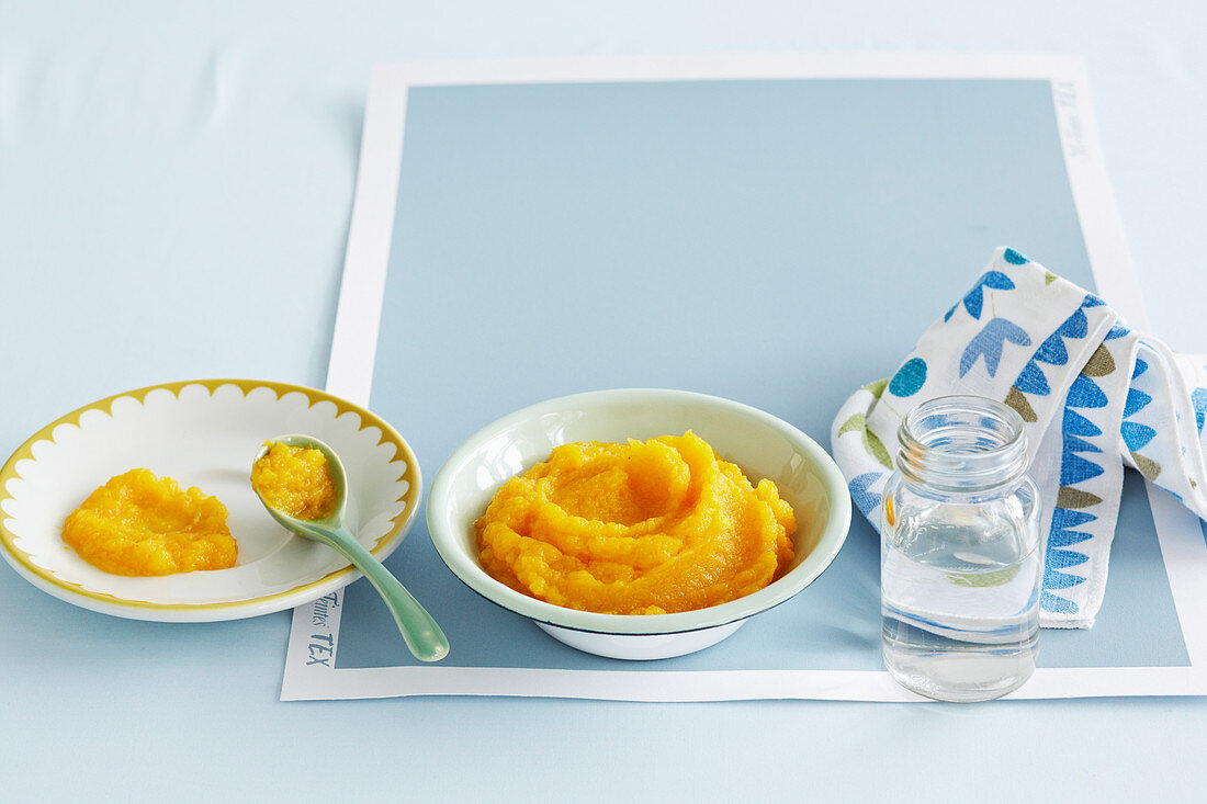 Parsnip, Carrot and Apple Puree for babies (6-9 Months)