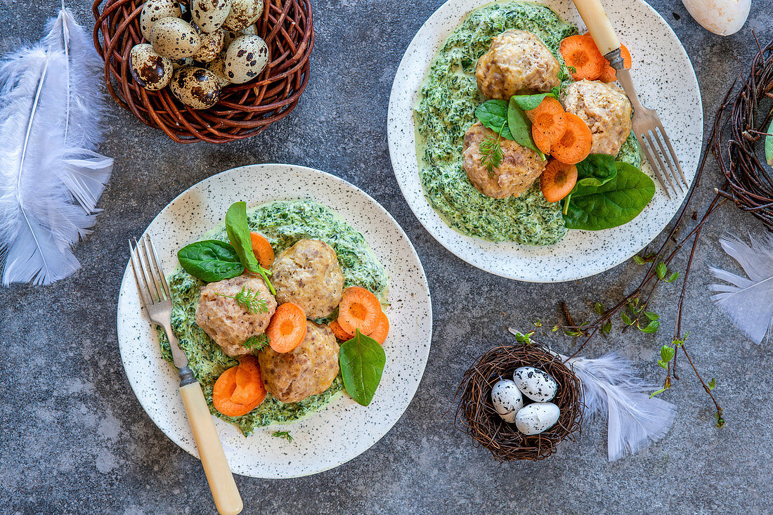 Turkey meatballs for Easter with spinach sauce