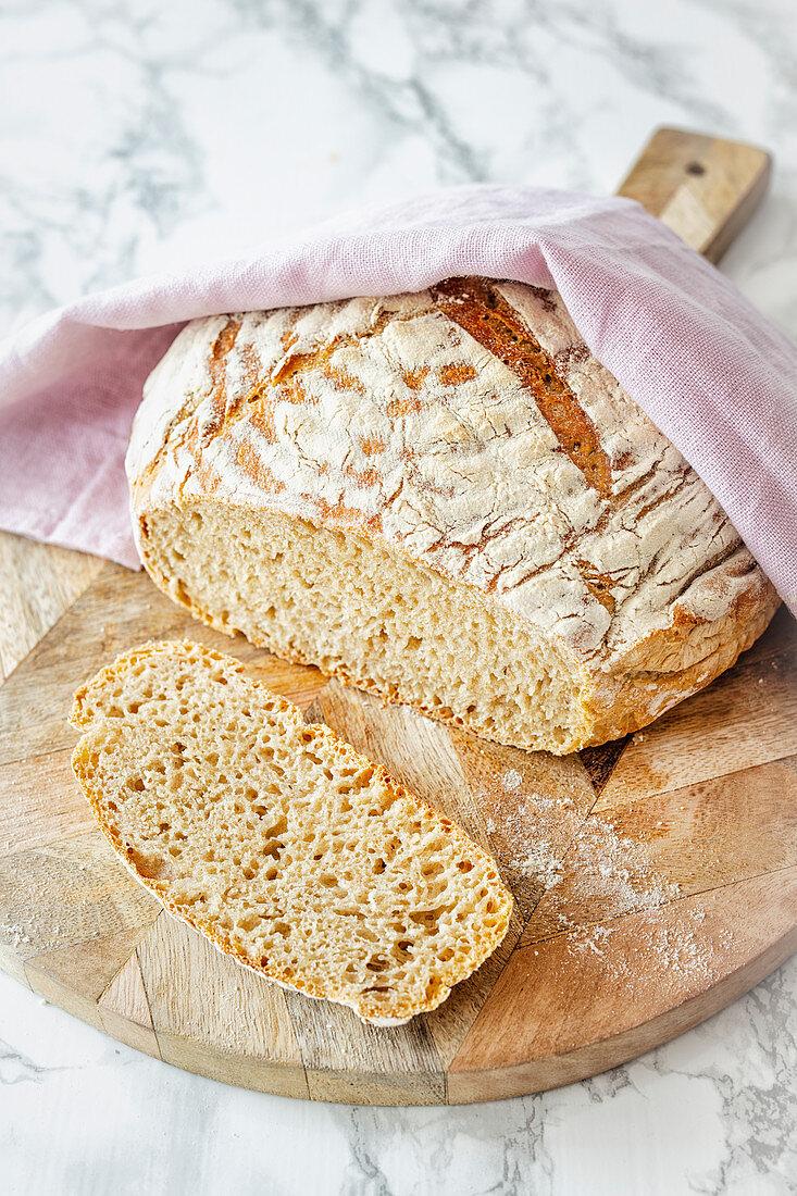 Pot bread with Italian wheat sour dough (Lievito Madre)