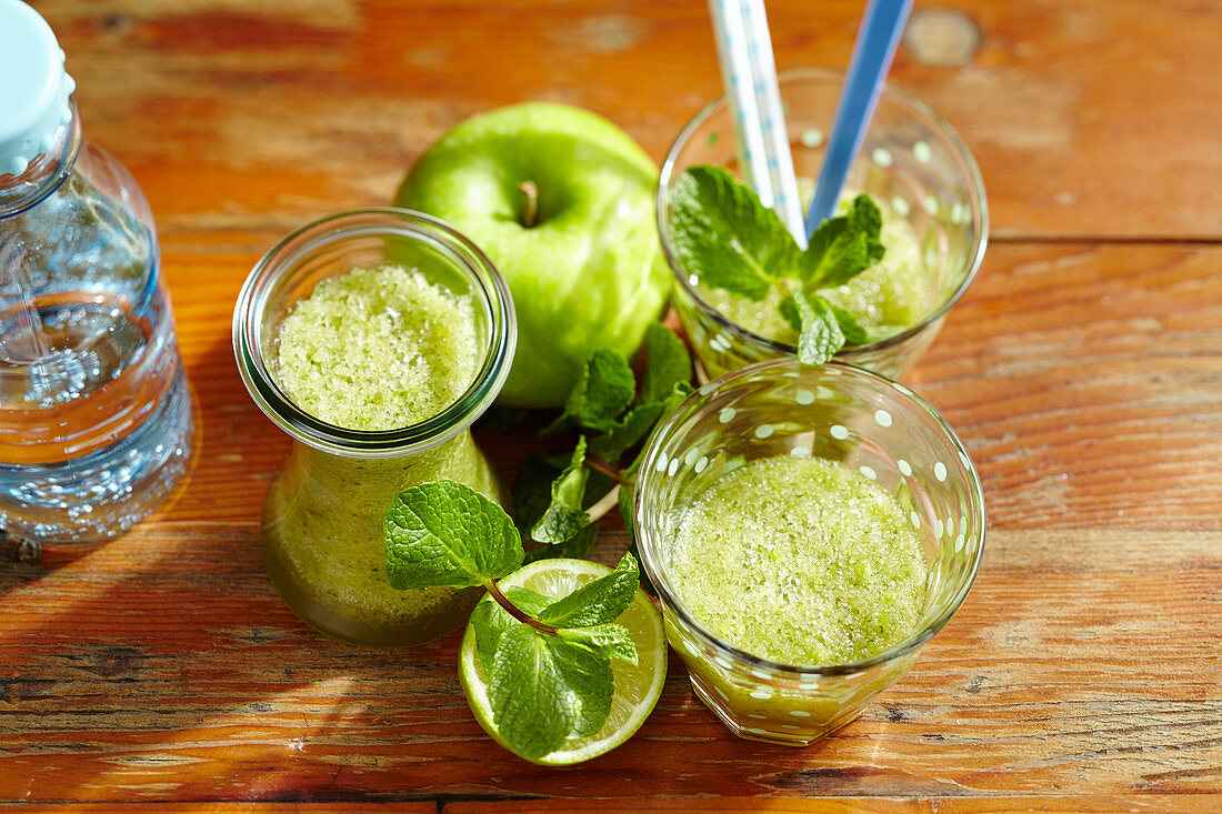 Apple mint lemonade with lime, cane sugar and mineral water