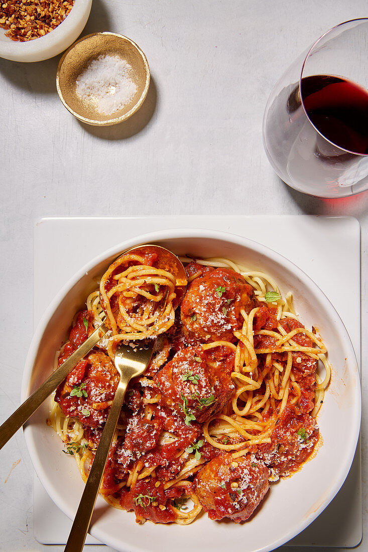 Spaghetti with Meatballs and Red Wine
