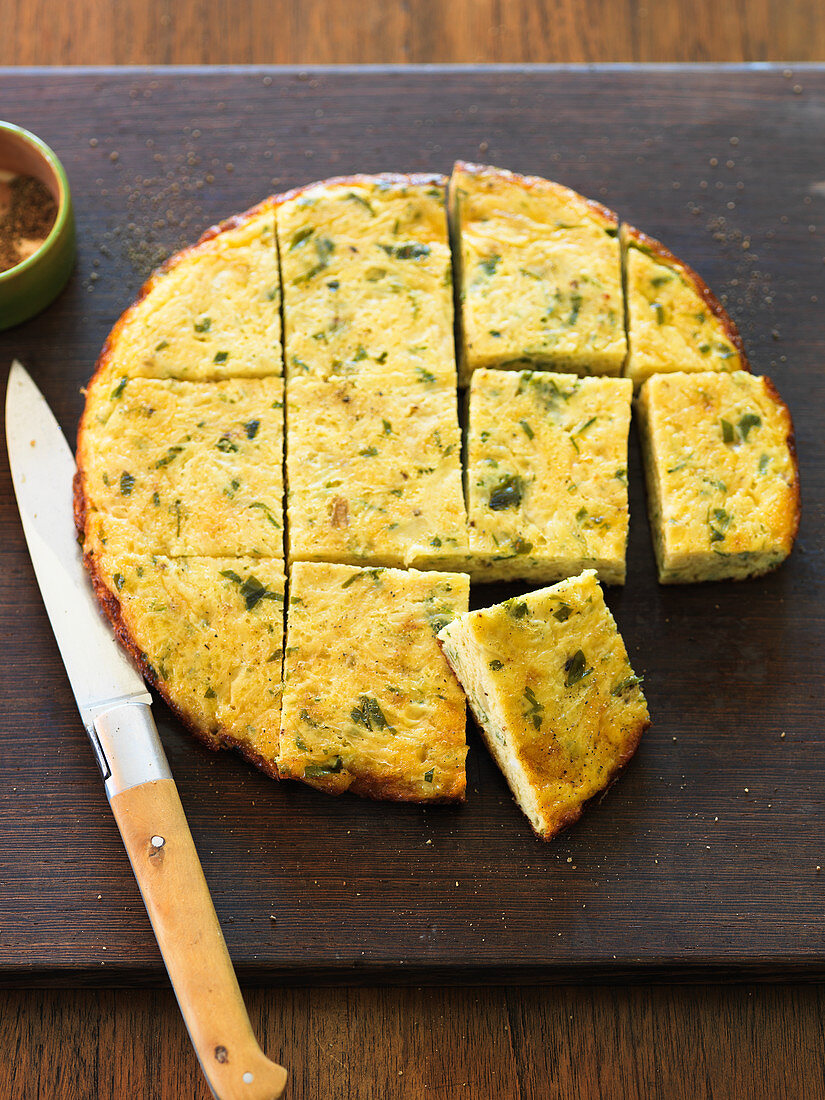 Onion frittata with parsley and chives