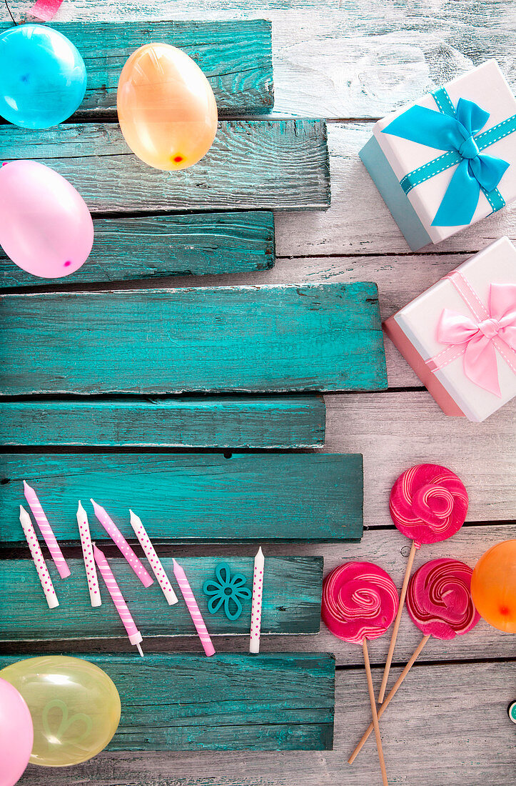 Various decorative items for birthday party