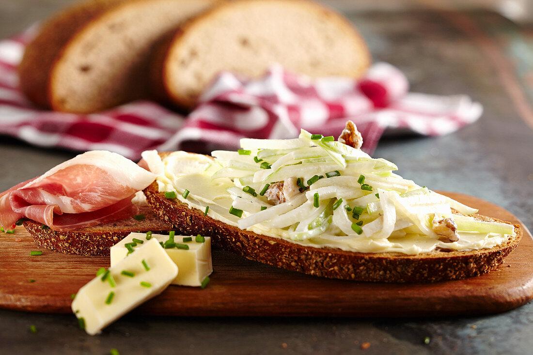 Waldorf salad bread with raw ham