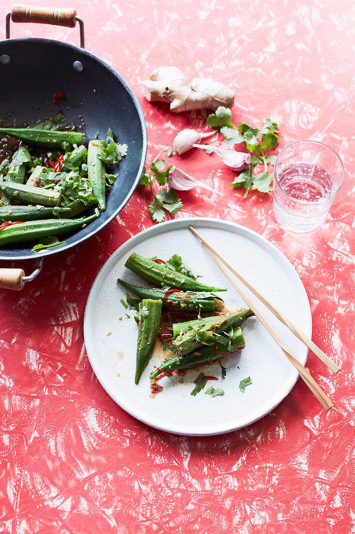 Stir-fried okra with chilli