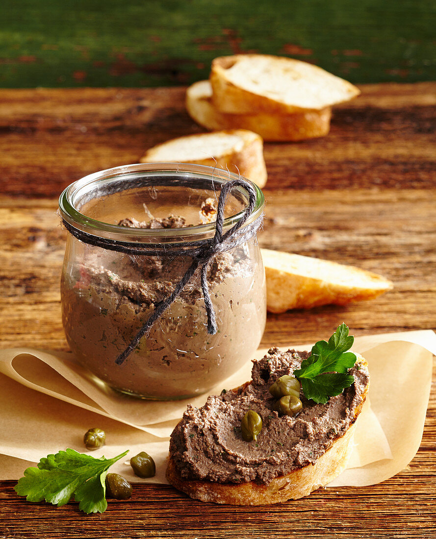 Crostini with chicken liver cream from Tuscany
