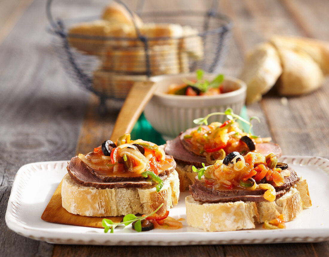 Carne gelada - pickled beef with white bread and vegetable marinade (Brazil)