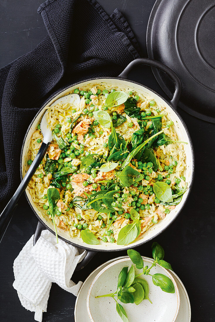 Creamy one-pan salmon and risoni with peas