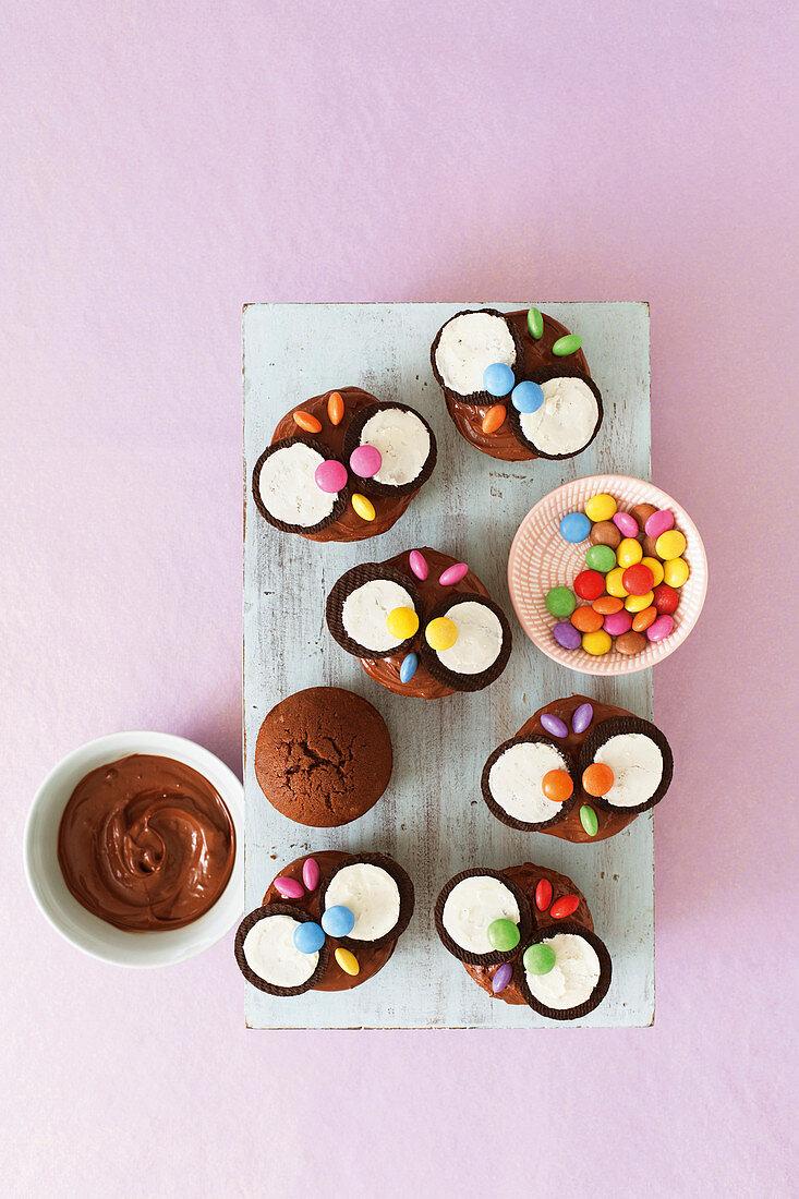 Chocolate owl muffins