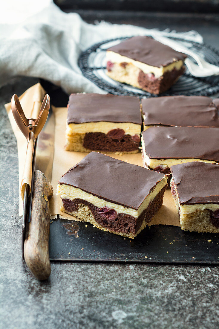 Donauwellen (German marble cake) with cherries and chocolate cake (low carb)