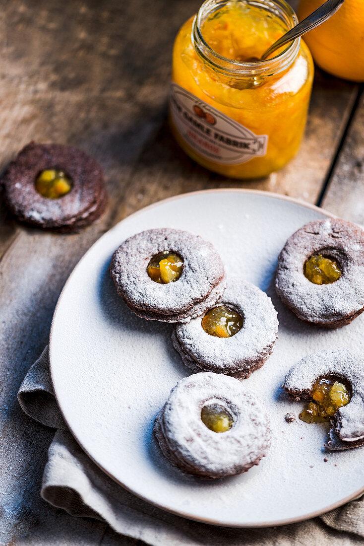Stuffed Linzer cookies with orange marmalade