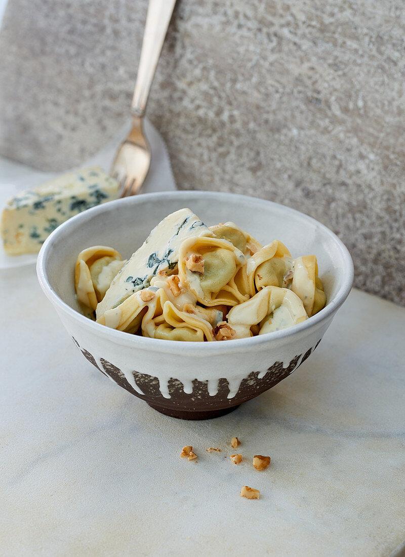 Tortellini with gorgonzola and walnuts