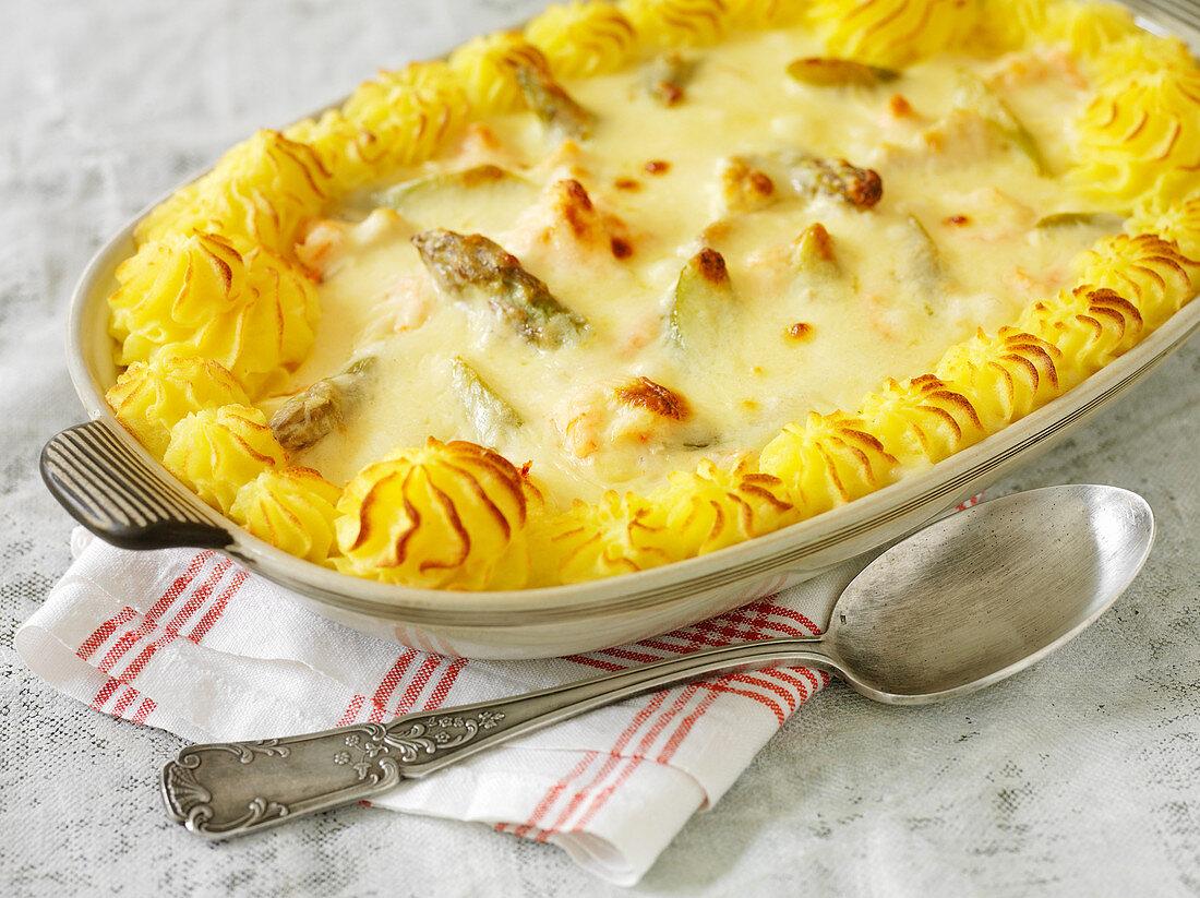 Swedish fish gratin with mashed potatoes