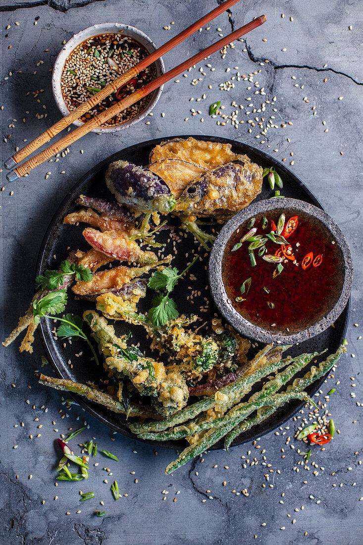 Vegetable tempura with chili sauce
