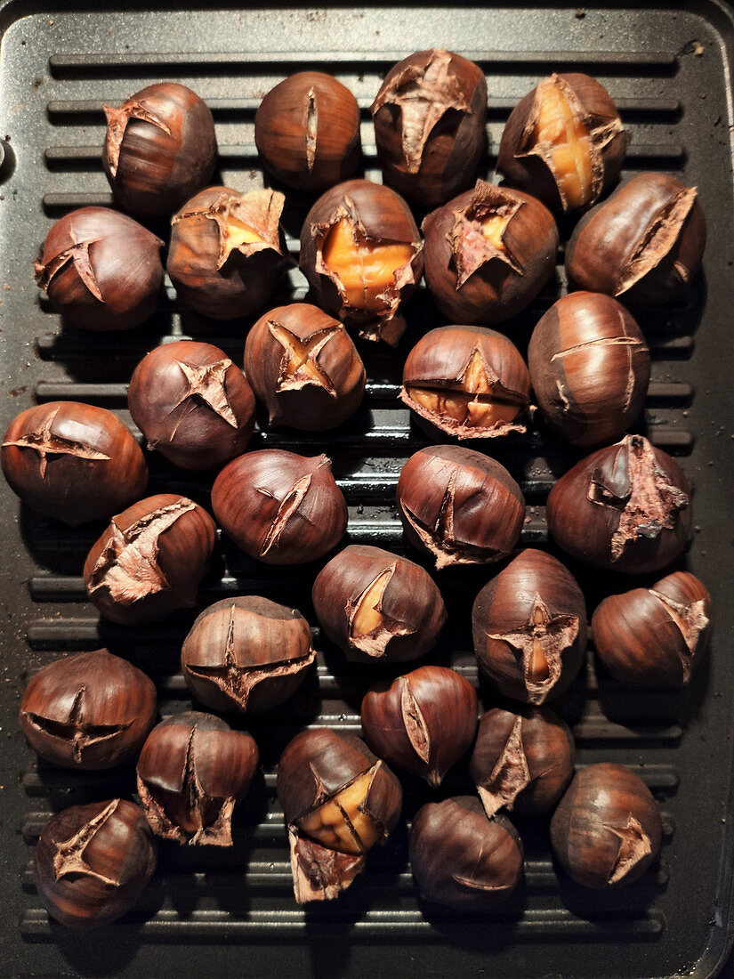 Chestnuts in the grill pan