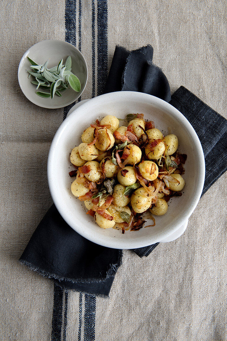Potato dunderet with bacon sauce and sage