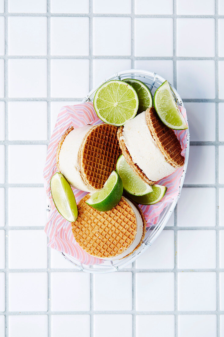 Ice-Cream Sandwiches - Key Lime Pie Coco-Cream