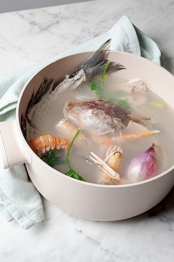 Making fish stock
