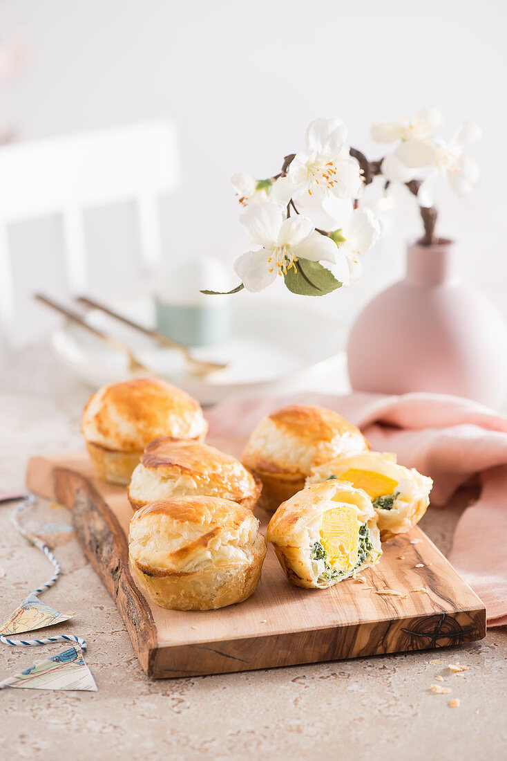Tortina Pasqualina (Easter puff pastries filled with spinach and egg)