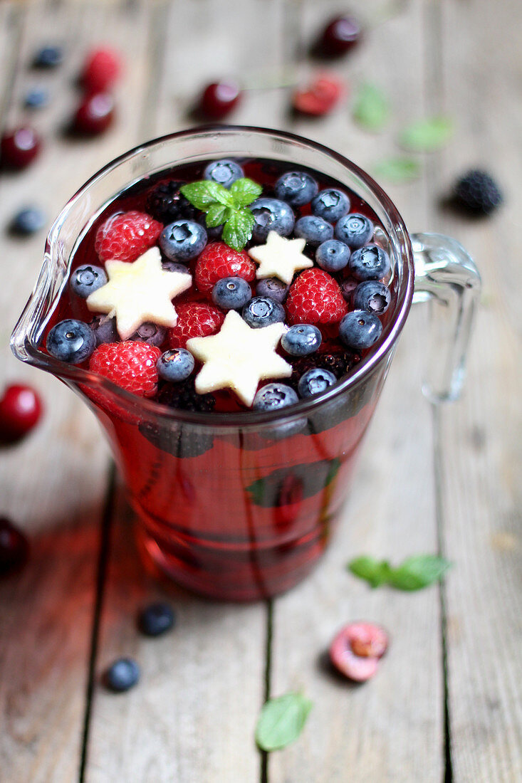 Christmas punch with berries